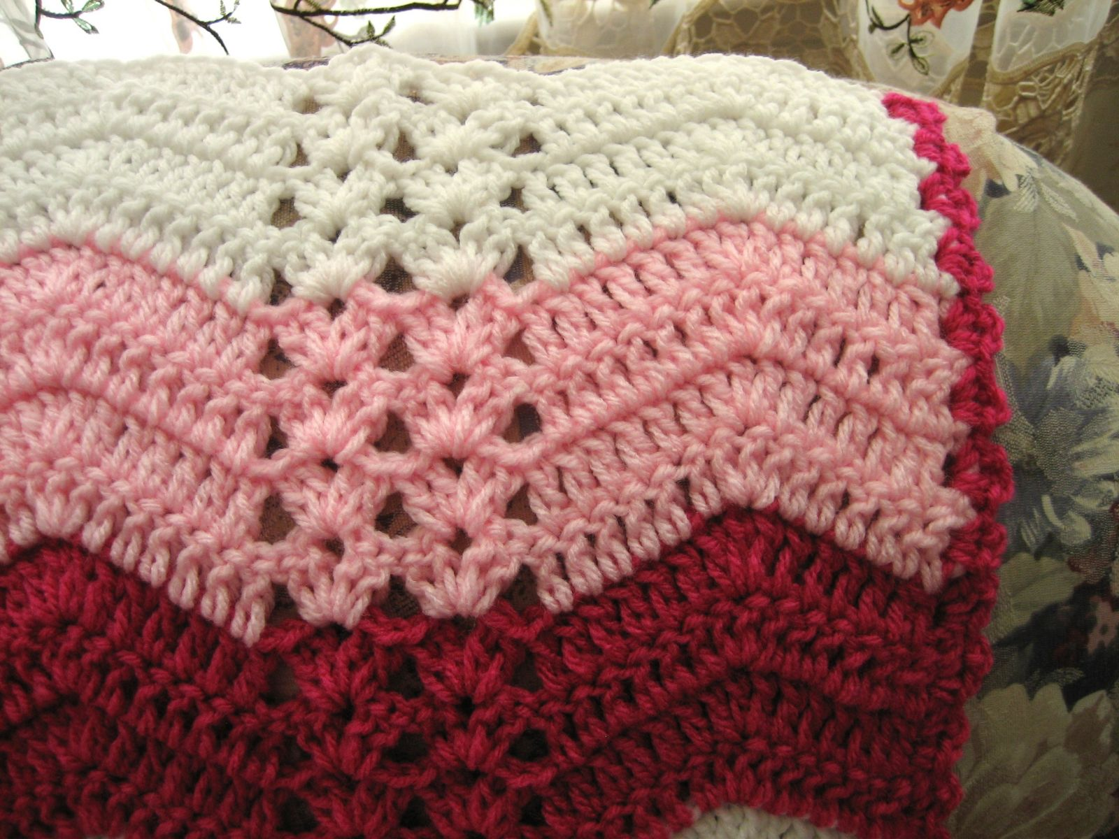 Free Pattern For Single Crochet Ripple Afghan : White Chocolate Strawberry Double Shell Ripple ...